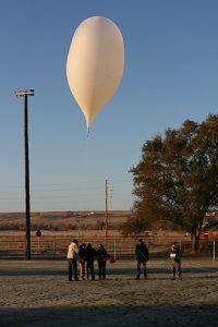 Payload balloon and crew